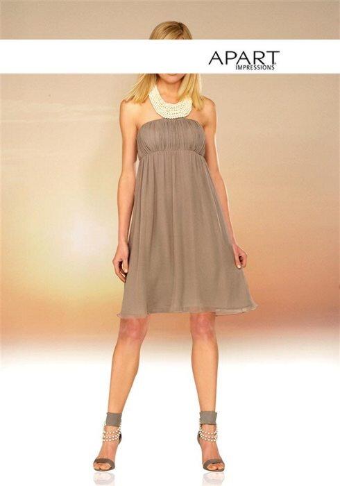 b2435299d6f Šifónové večerné spoločenské šaty s perlami APART vo farbe taupe  (šedohnedej)