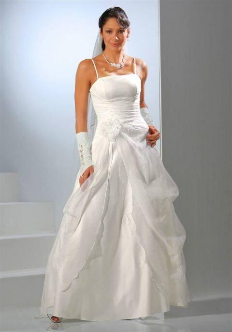 57431ac1e8a Korzetové dlhé svadobné šaty Laura Scott Wedding v krémovej farbe