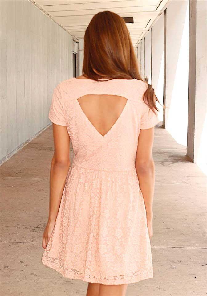 a7416ac8ae2a AJC romantické krajkové šaty ve starorůžové barvě