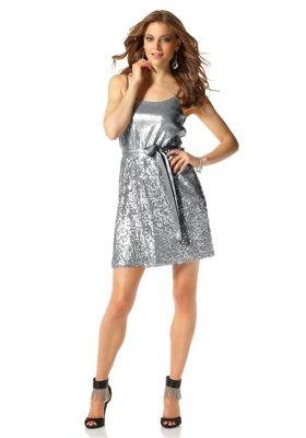 aad77f78438f Krátke spoločenské šaty s flitrami na ramienka