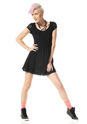 b7e44a041b3c MATERIAL GIRL krajkové mini šaty